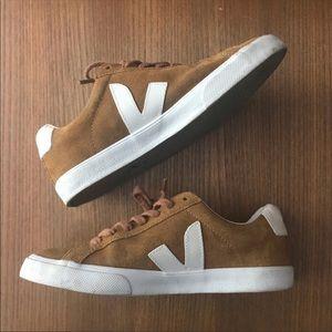Brown Veja Esplar sneakers
